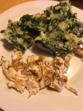 Kartoffel-Spinat-Matsch mit Hähnchen